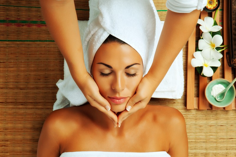 Face Skin Solutions: Facials in Denver