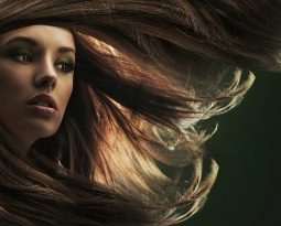 What Does Your Hair Need if You Live in Denver? Best Shampooing Tips